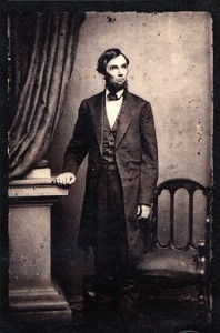 Abraham_Lincoln_standing_portrait_1863
